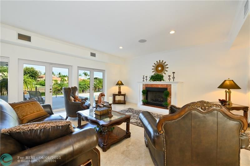 2 COMPASS LN  gallery image #11