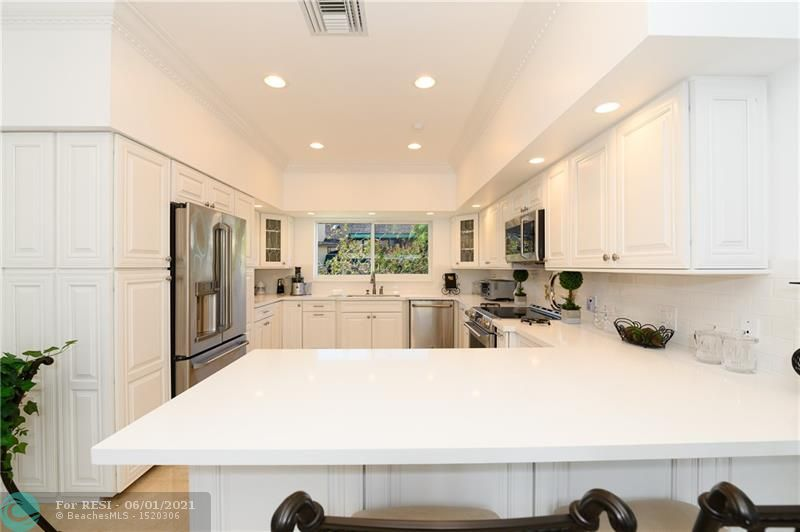 2 COMPASS LN  gallery image #16