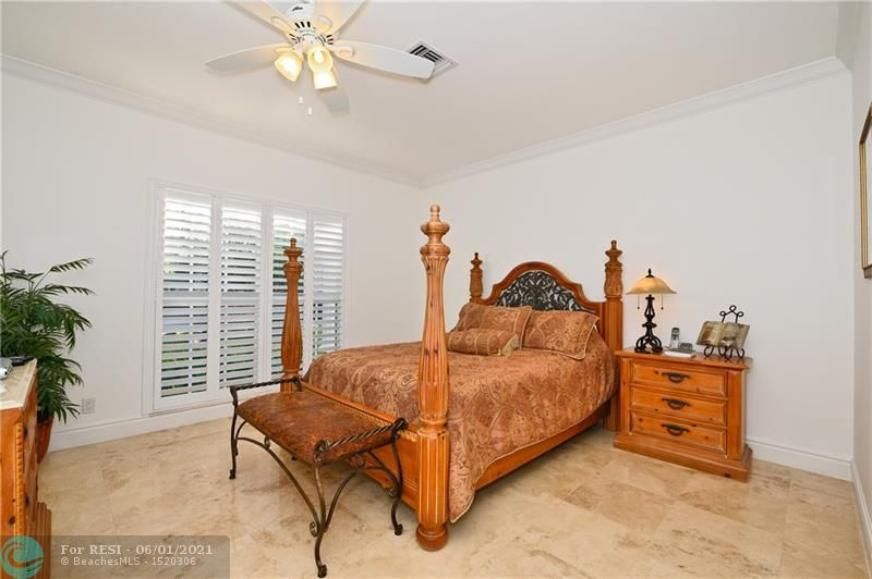 2 COMPASS LN  gallery image #23
