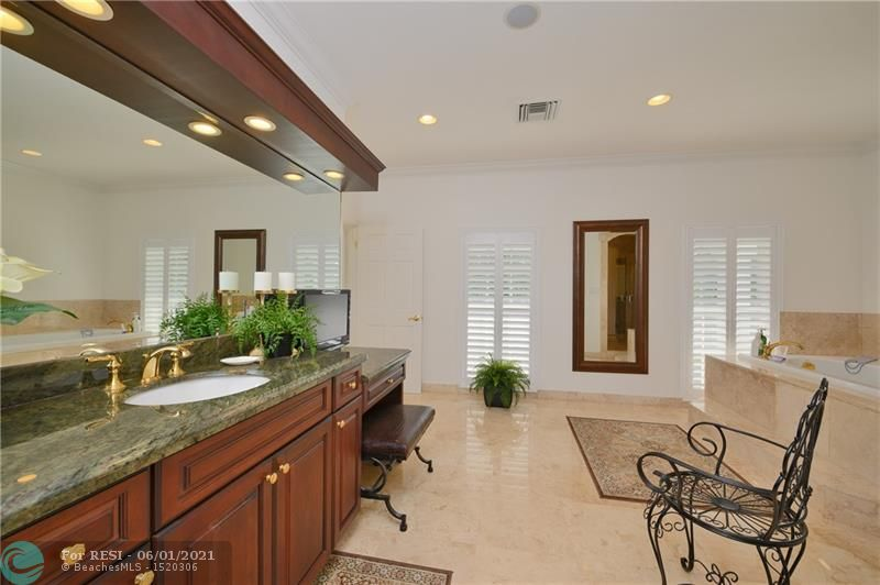 2 COMPASS LN  gallery image #28
