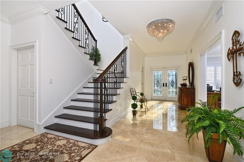 2 COMPASS LN  gallery image #8